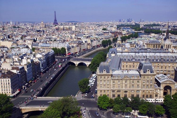 Las calles de París capturarán la imaginación de grandes y chicos.
