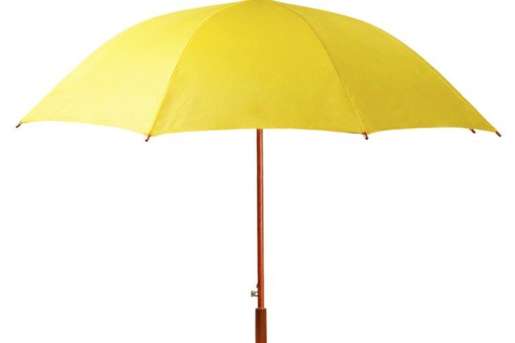 Usa un paraguas común como base.