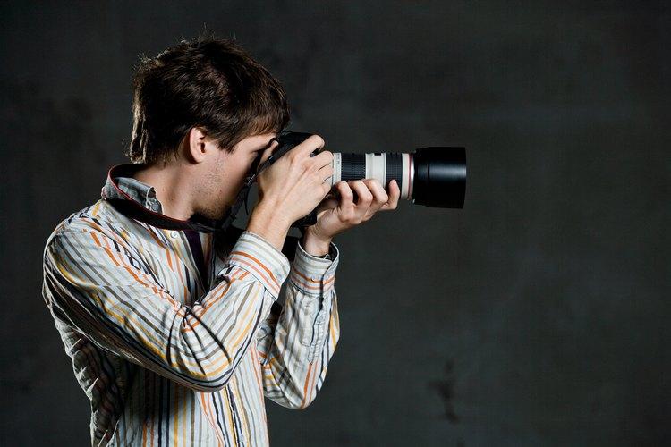 Algunas personas piensan que los fotógrafos sólo toman y revelan fotografías.
