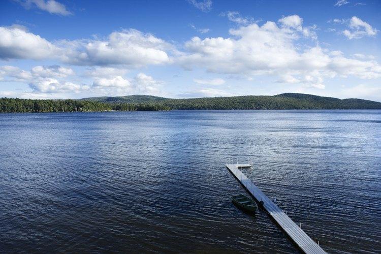 El área alrededor de Long Lake tiene una variedad de opciones para acampar.