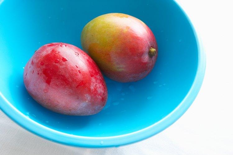 Los mangos están relacionados con los anacardos y los pistachos.