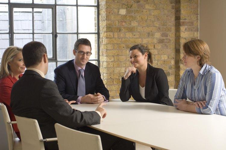Existen ciertas desventajas en el modelo de organización basado en equipos.
