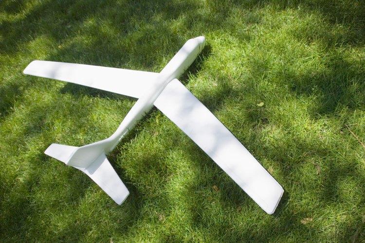 Dibuja los soportes del ala del biplano.