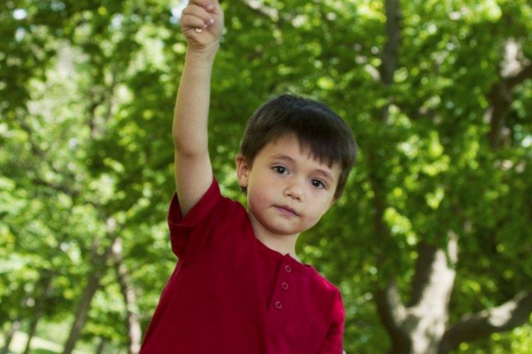 Anima a tu hijo a aprender acerca de la historia de la bandera de Estados Unidos.