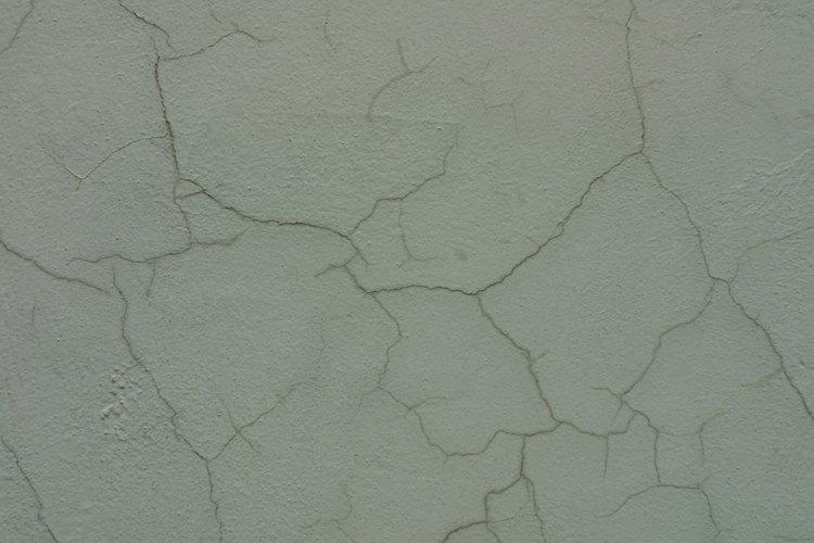 Las paredes y techos se pueden agrietar debido a la tensión por la edad o estructural.