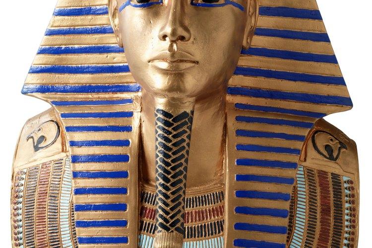 Los faraones del antiguo Egipto tenían más poder que los reyes mesopotámicos.