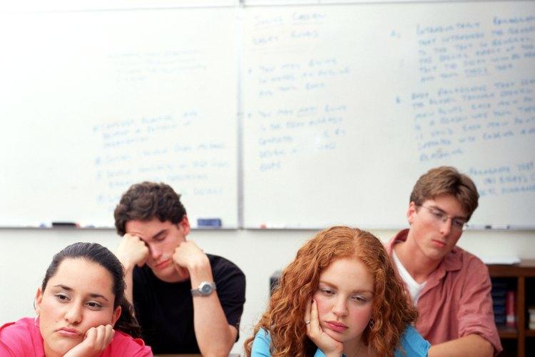 La falta de concentración y el desinterés en la escuela es común en la adolescencia.