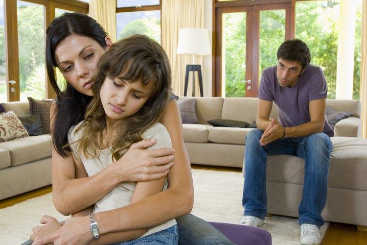 Los padres que se divorcian deben dejar las quejas a un lado mientras juegan su rol de padres.