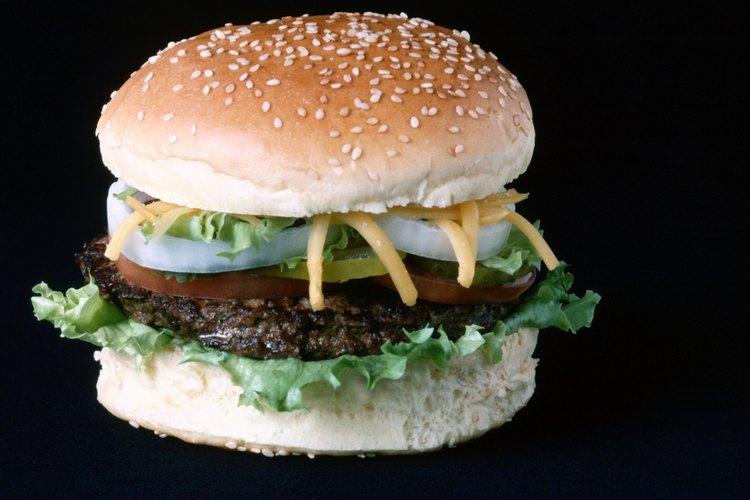 Las hamburguesas pueden ser cocinadas en microondas durante los días lluviosos.
