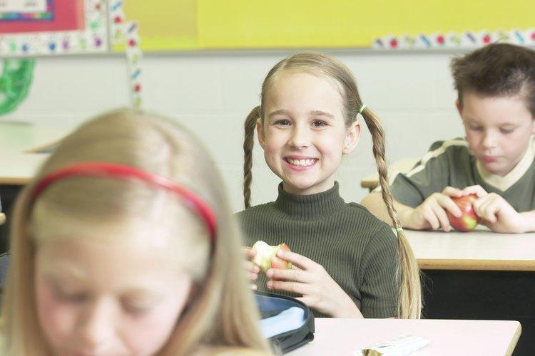 Las manzanas les dan a los niños la energía y los nutrientes que necesitan para pasar el día escolar.