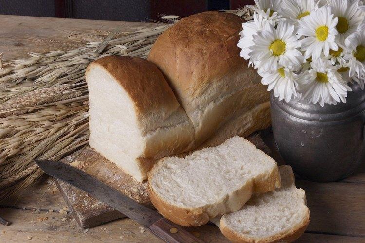 La harina de maíz blanca se utiliza en las recetas de pan en los estados del sur.