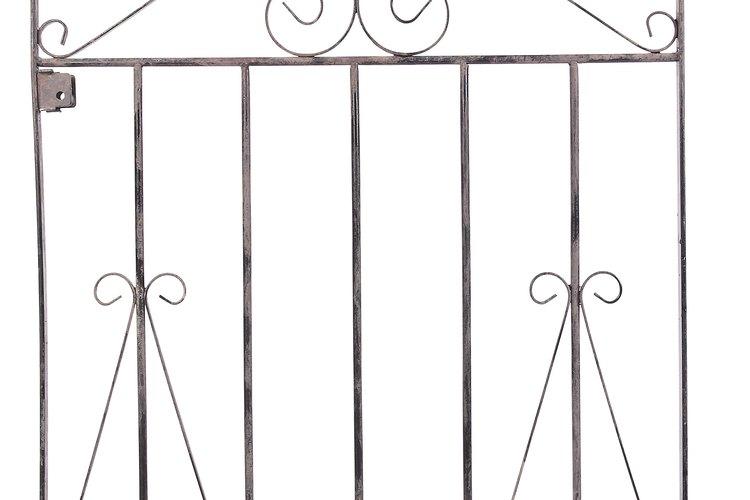 Realiza un mantenimiento cuidadoso de las puertas de hierro para prevenir la formación de óxido antiestético.