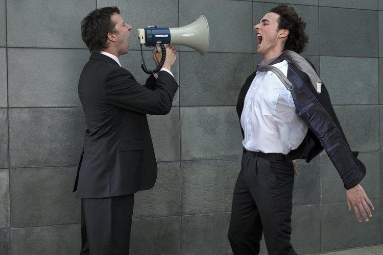 La comunicación es, básicamente, el proceso mediante el cual una persona descubre, manifiesta o hace saber algo a alguien.