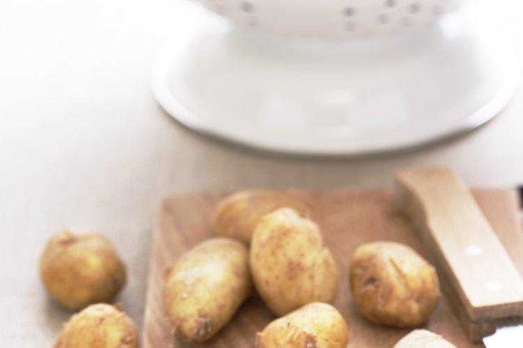 Aunque ambos productos son extraídos de la papa, existen diferencias notables entre la fécula y la harina de papa.