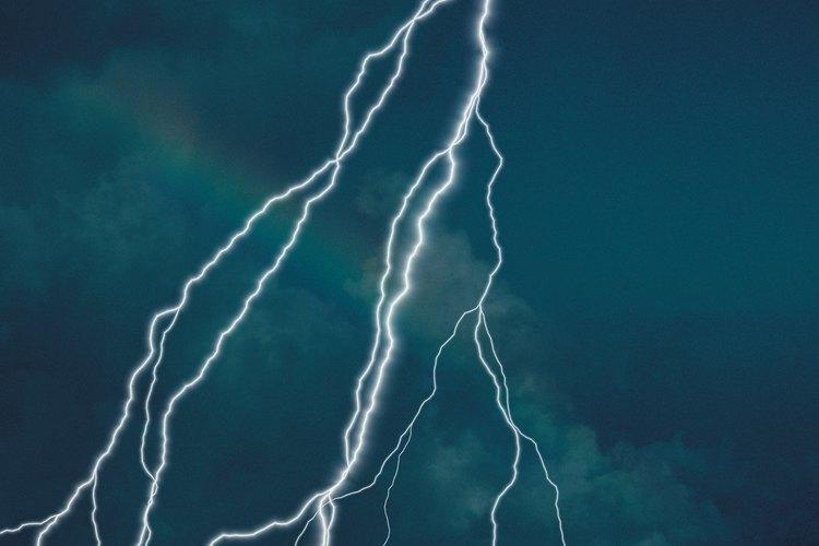 Los rayos pueden causar estragos en un hogar si no se toman las medidas apropiadas.