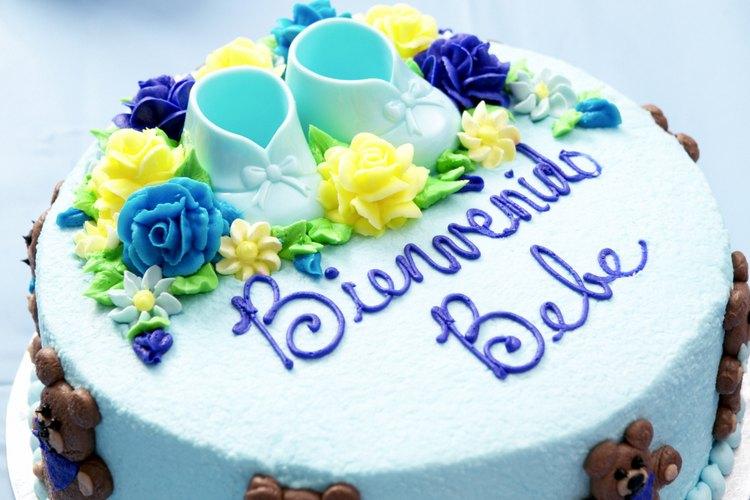Un pastel decorado con un aerógrafo puede convertirse en una obra de arte.