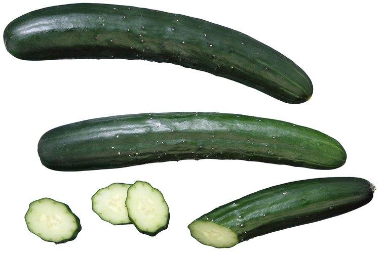 El alto contenido de vitaminas C y A en los pepinos, proporcionan varios minerales tales como el magnesio, el potasio y sílice.