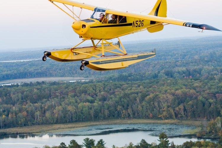 Una licencia personal de piloto te puede llevar a una carrera en la aviación.