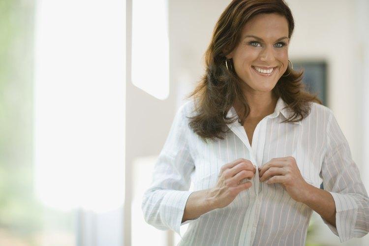 Hay muchas variedades de camisas para mujeres.