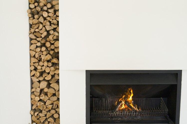 Las cenizas ricas en nutrientes es lo que queda una vez que la madera ha sido quemada por completo.