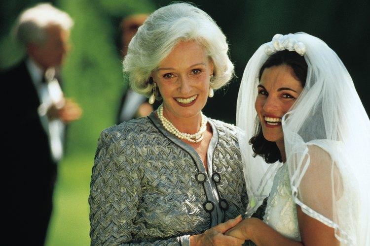 La madre de la novie cumple un rol fundamental en la boda.