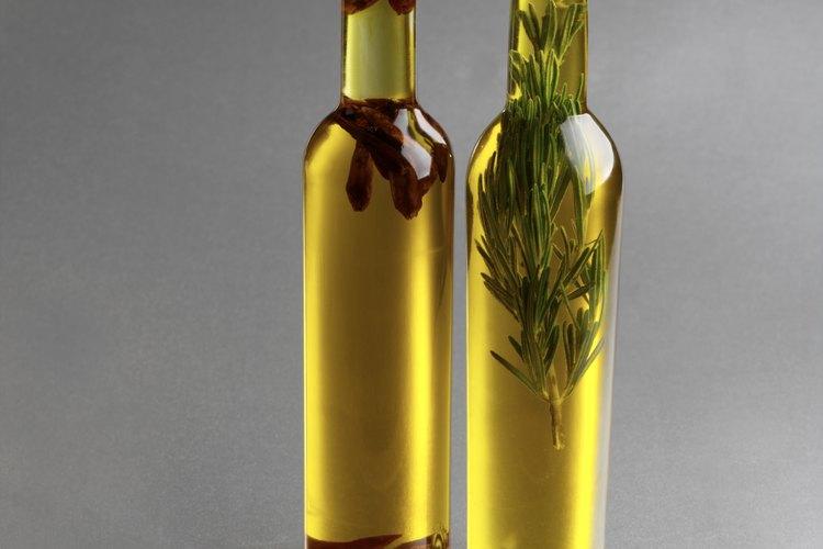 El aceite es utilizado es para hacer las velas de citronela.