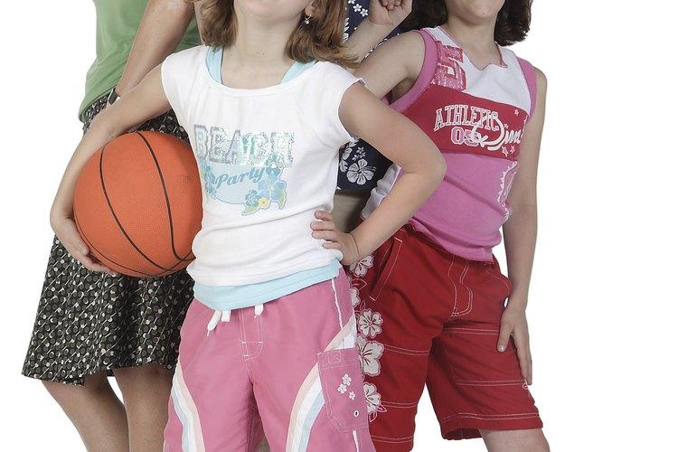 Jugar juntos le puede enseñar a los niños valiosas lecciones de vida.
