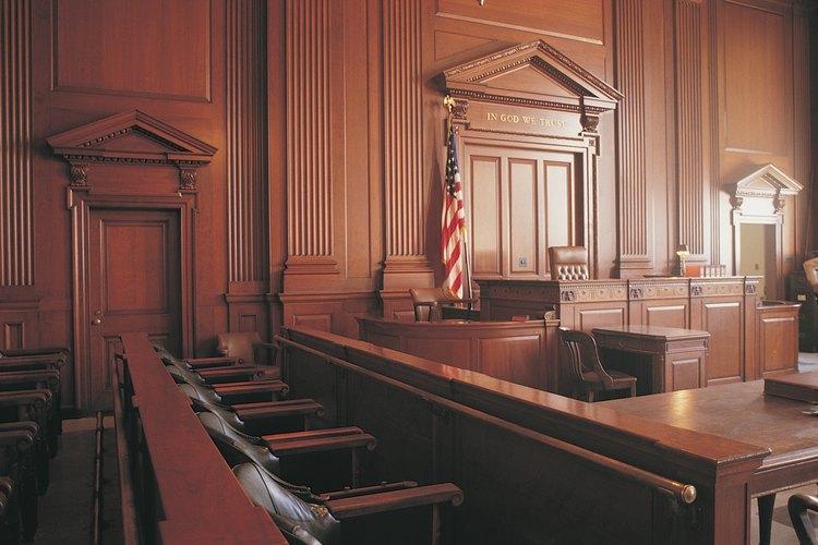Practica los modales ante los tribunales cuando presentes tu caso.