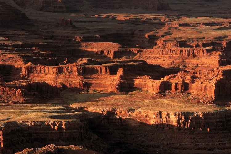 Catalogado como una de las Siete Maravillas Naturales del Mundo, el Grand Canyon atraviesa 277 millas del norte de Arizona con un ancho que varía de cuatro a 18 millas.