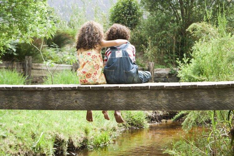 Enseña a tus niños a amar a los demás a través de la amistad.