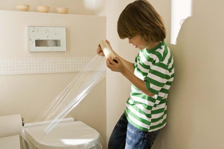 Usa el mejor pegamento para tu inodoro.