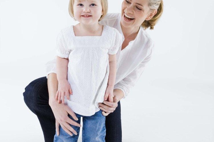 Los bebés pueden aprender por medio de divertidas actividades.