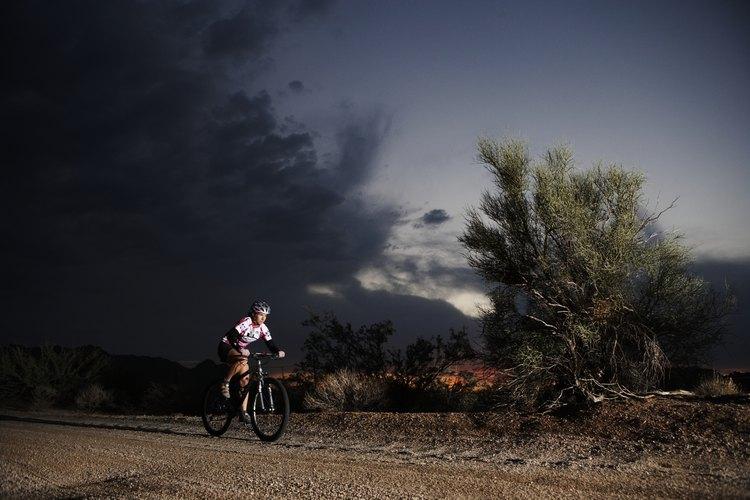 La mayoría de las llantas estándar de bicicleta pueden usar neumáticos sin cámara.
