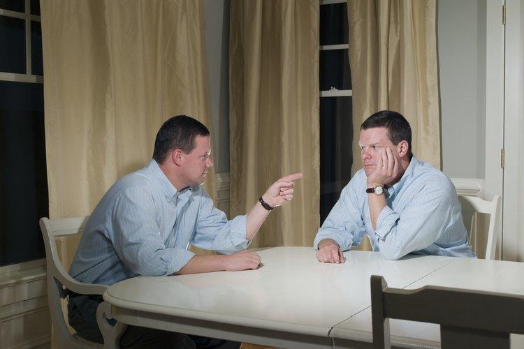 La mayoría de los adultos experimentan conflictos familiares.