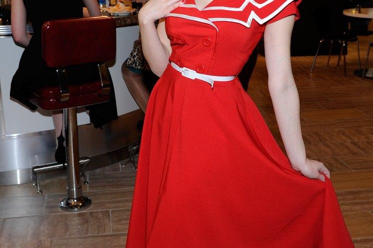 El vestido de Holly Madison es perfecto para la pista de baile.