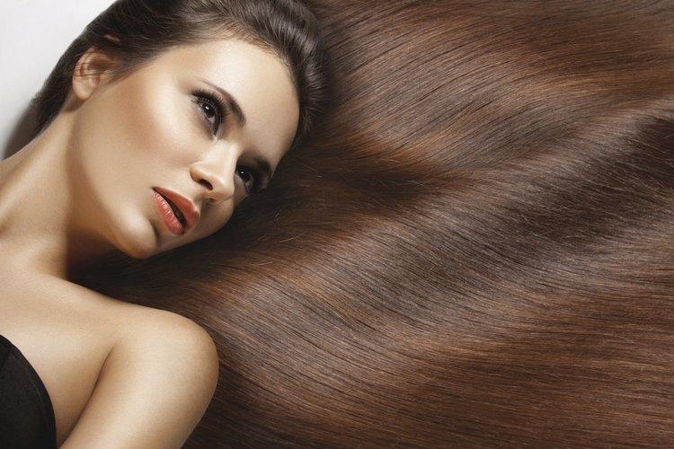 Hay algunas cosas que puedes hacer para que tu cabello luzca más largo en un mes.