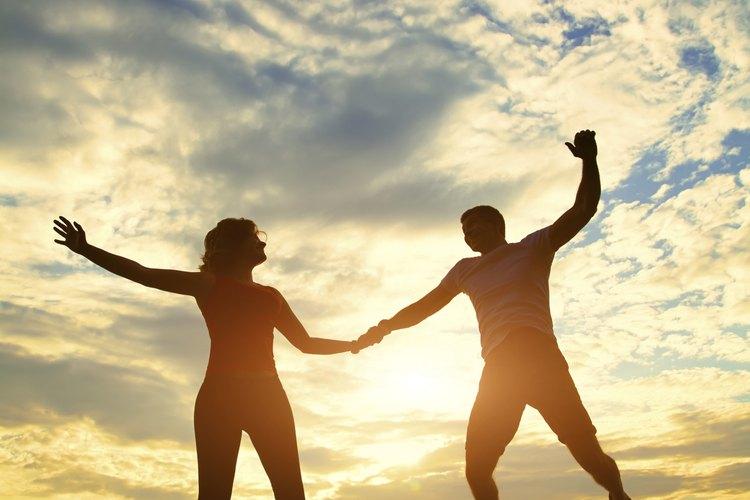 El amor generalmente surge entre los opuestos. Cuando no es amor, es amistad.