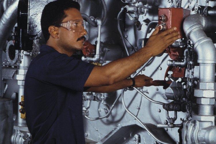 El aceite se utiliza en un sistema de refrigeración para lubricar el compresor y mantener la refrigeración de la unidad funcionando sin problemas.