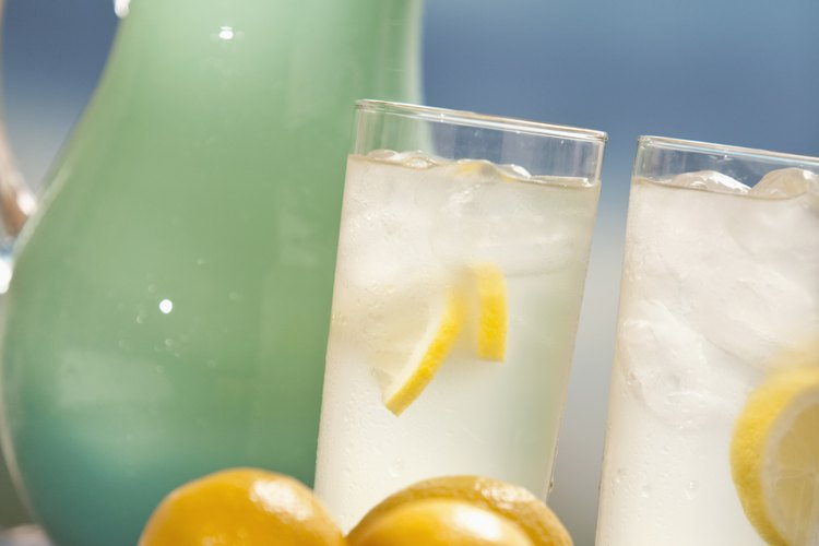 Convierte el agua en tu bebida favorita.