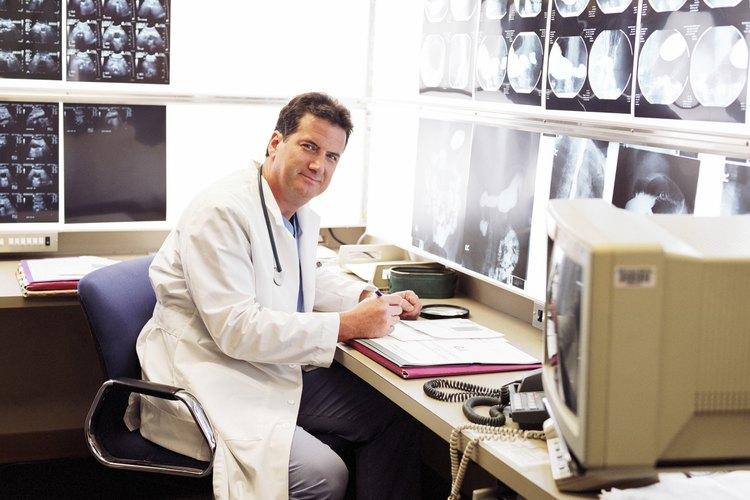 """Los médicos pueden """"super-especializarse"""" en un nicho incluso más específico dentro de su área de especialización."""