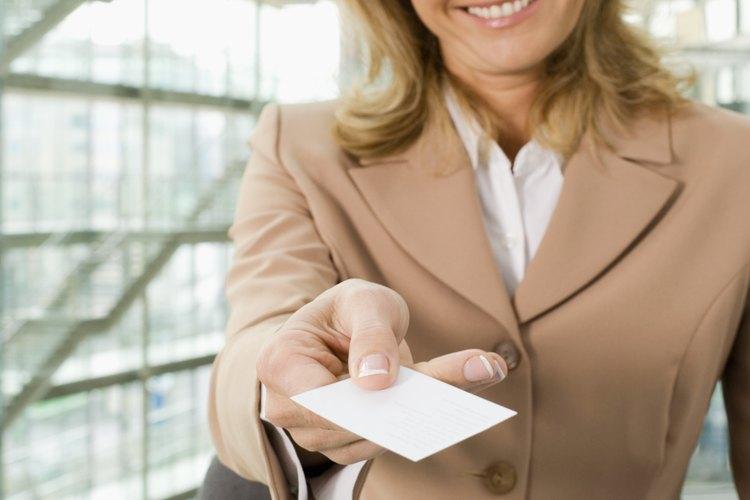 Muchos puestos clave de la empresa necesitan de unas tarjetas de presentación.