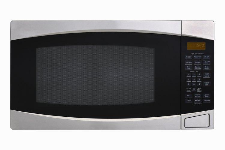 Arreglar o no el horno de microondas depende de algunas cuestiones