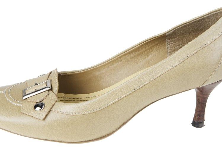 En un zapato de estilo tradicional, el color nude es ideal para el ambiente de trabajo.