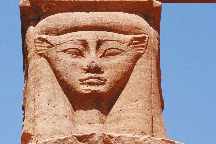 Isis, una de las diosas egipcias más importantes, se convirtió en la diosa de la Luna.