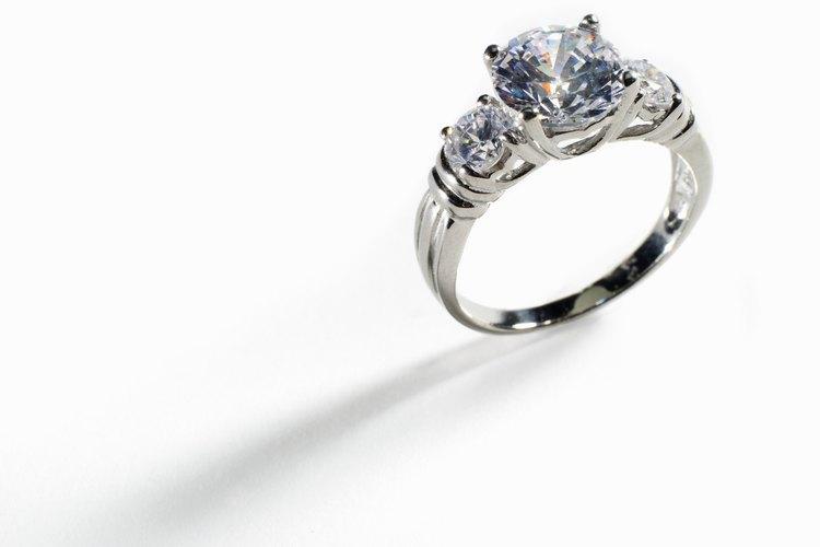 Instala un protector de anillo en el interior del mismo para reducir su tamaño.