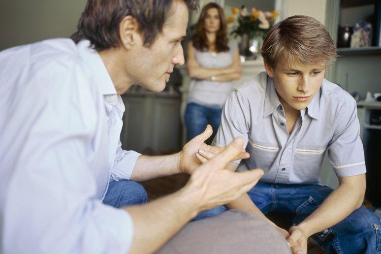Tu hijo tiene más probabilidades de darte respeto si le muestras respeto, de acuerdo con PediatricSafety.