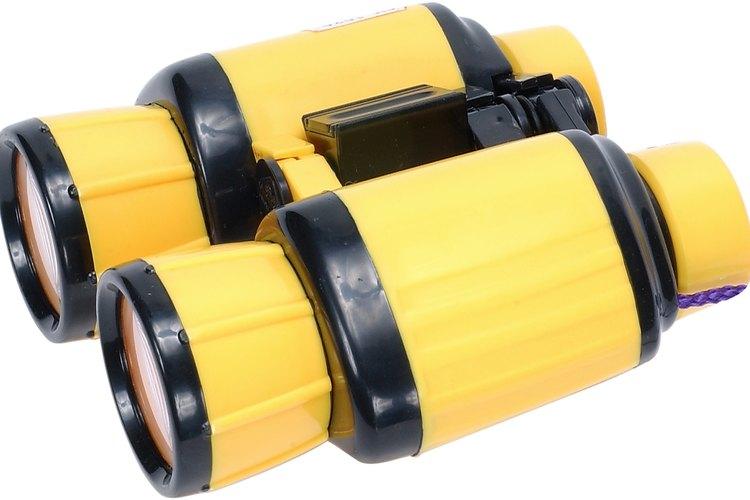 Tasco no recomienda quitar los lentes de los binoculares, pues son difíciles de colocar.