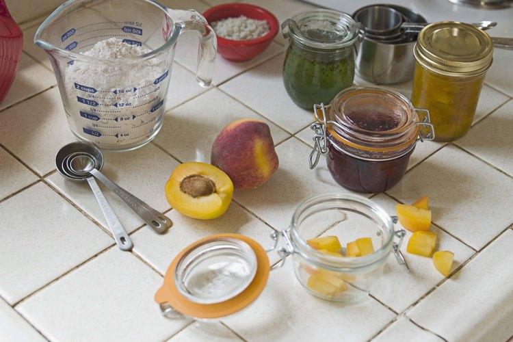 Puedes hacer tus propias mermeladas y jaleas usando stevia en lugar de azúcar.