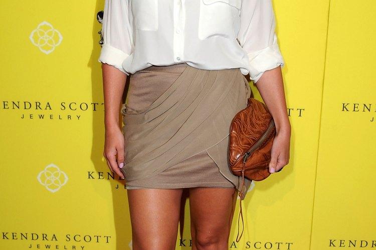 Haylie Duff usando una mini falda en el evento de 2011 Kendra Scott Jewelry of Beverly Hills en West Hollywood.