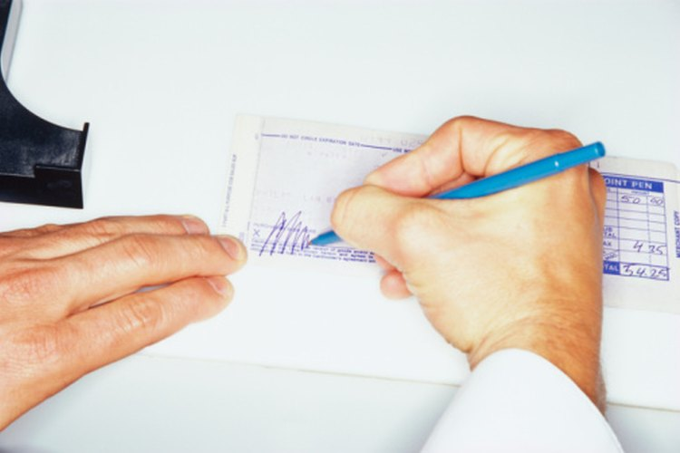 Rellena tu solicitud de retiro con cuidado ya que es un documento legal.
